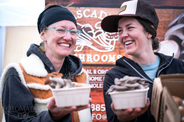 FotoMataio Captured a bustling Spring Saturday at the Bellingham Farmers Market